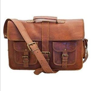 Overnight bag with character